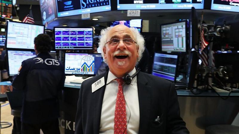 هبوط الأسهم الأمريكية عند الختام وتسجل خسائر أسبوعية